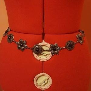 Vintage metal flower belt